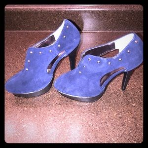 Mark. By Avon High Praise Heels Blue size 6 NWT